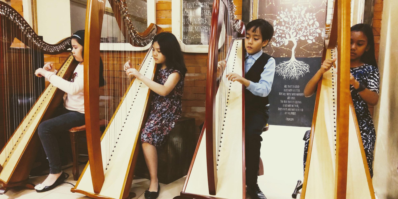 HarpRoom students
