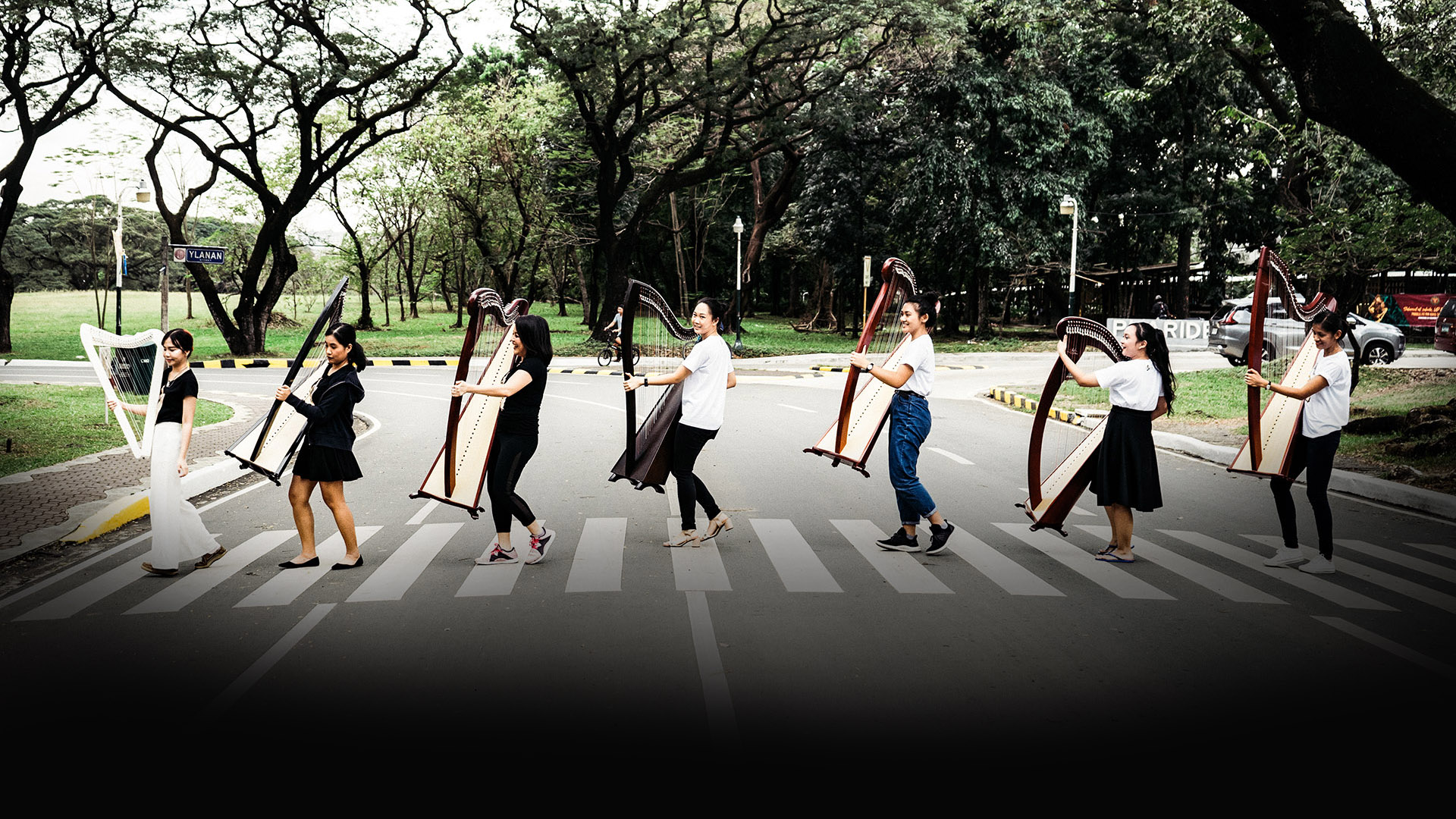 Abbey Road harpists