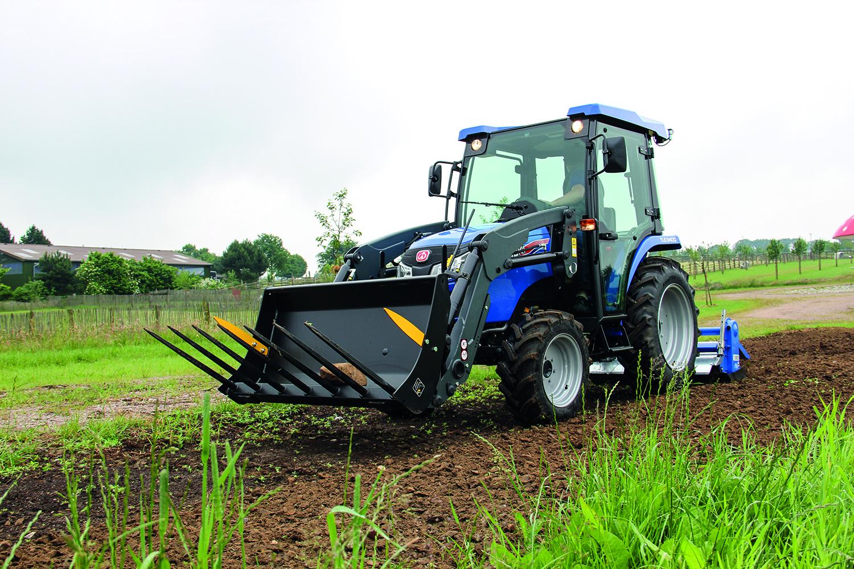 Egal ob Bodenbearbeitung, Frontlader- oder Transportaufgaben, - er passt für alle Einsätze