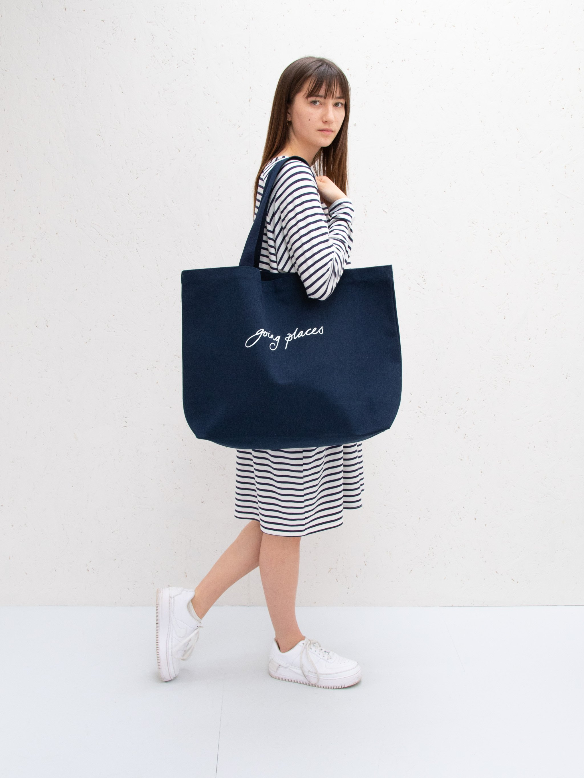 Bobby Bag in Navy with going places Embellishment