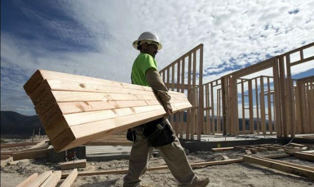 Trabajadores de construcción en Nueva York recibirán $726K por horas extras no pagadas