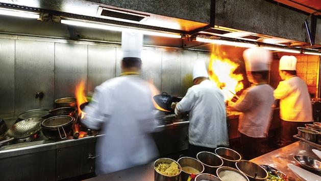 Los Empleados de Restaurantes Recibirán un Aumento de Sueldo el 31 de Diciembre del 2016