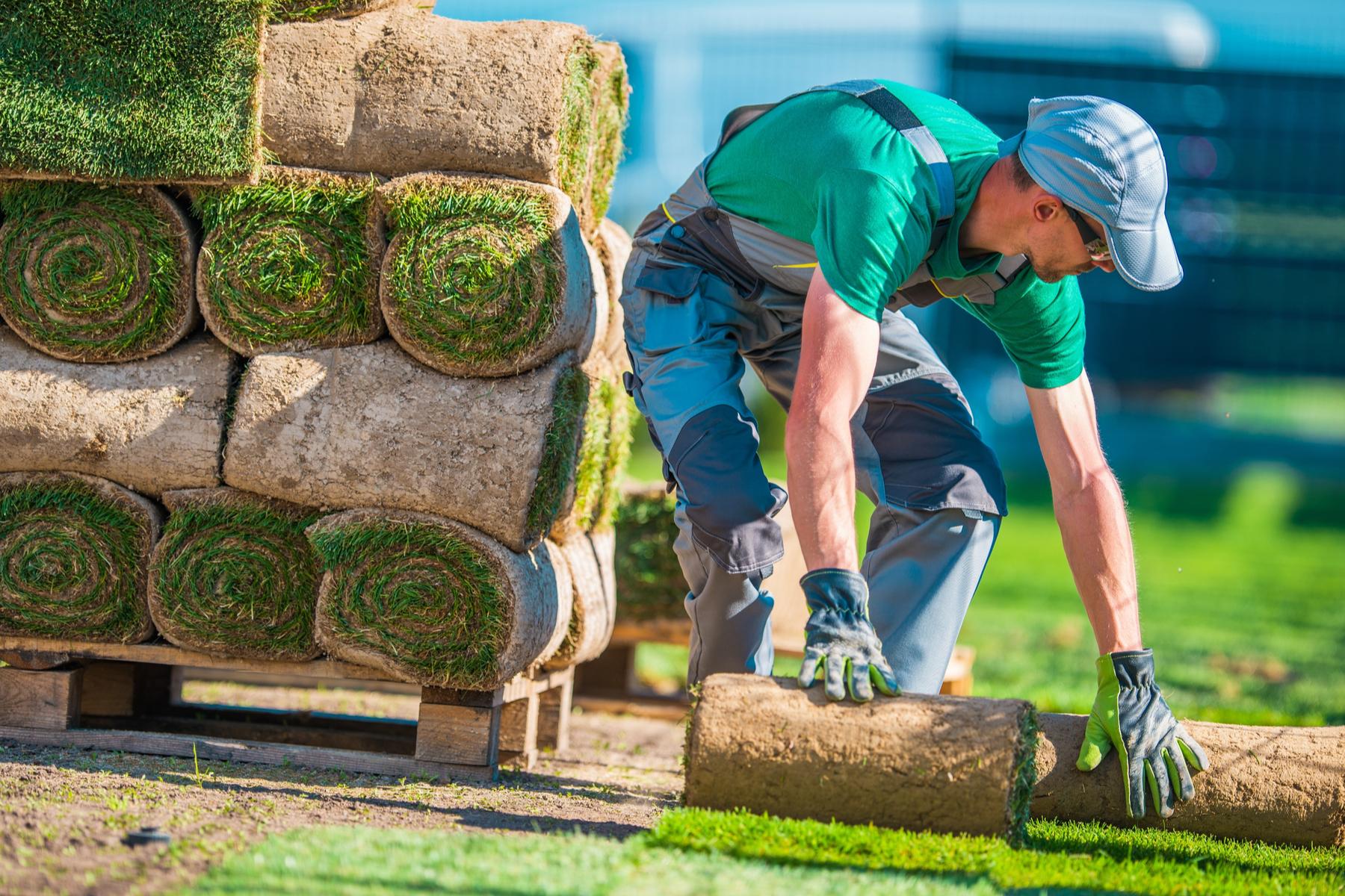 Compañía de jardineria demandado por no pagar horas extras