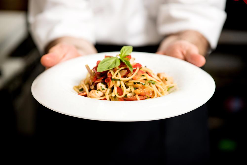 Restaurantes en Connecticut Pagaran $180k por Violaciones de Horas Extras