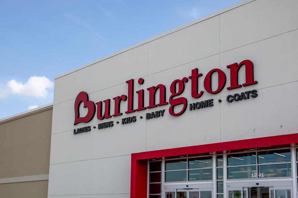 Subgerentes de Burlington Coat Factory Reciben un Acuerdo de $20 Millones Por Violaciones de Horas Extras