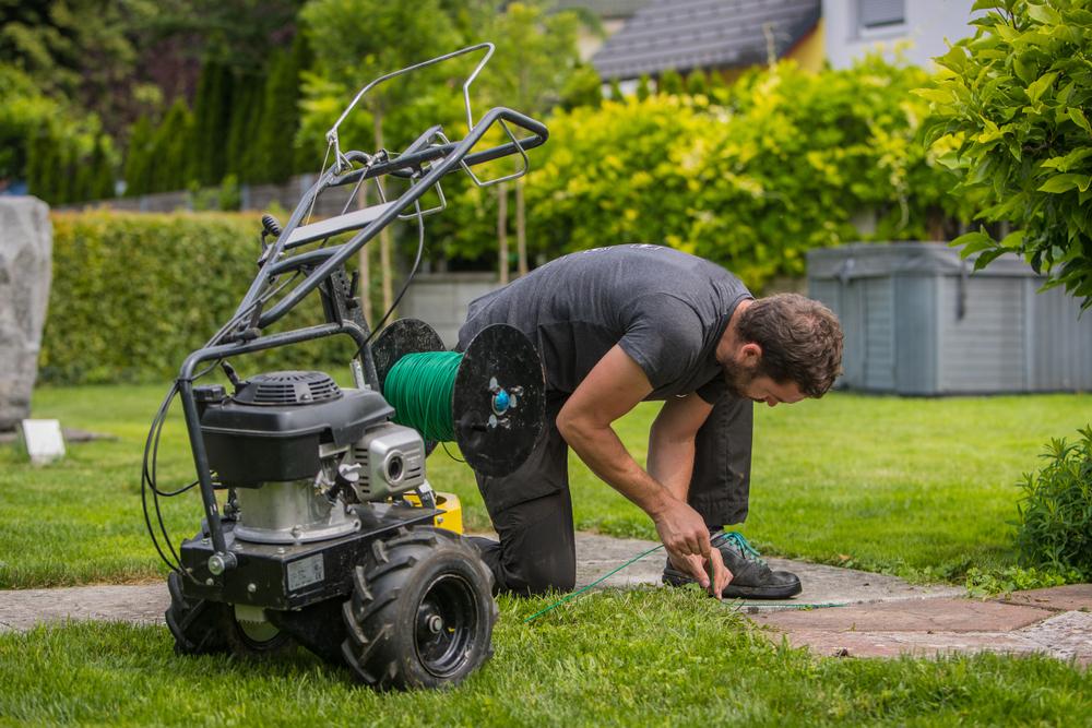 Empresa de Jardineria Pagará $110,602 en Salarios Atrasados por Violaciones de Horas Extras