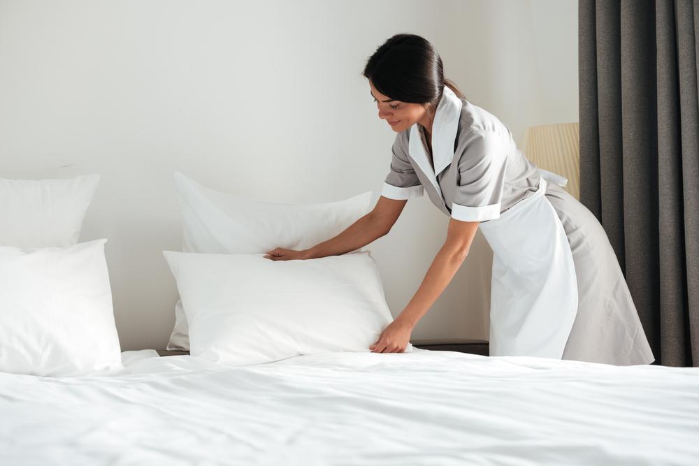 Trabajadora Domestica Recibirá $100,000 en Caso de Pago por Horas Extras