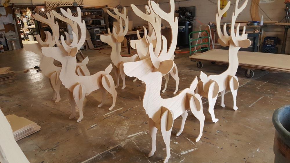 Wood Reindeer Decor Photo