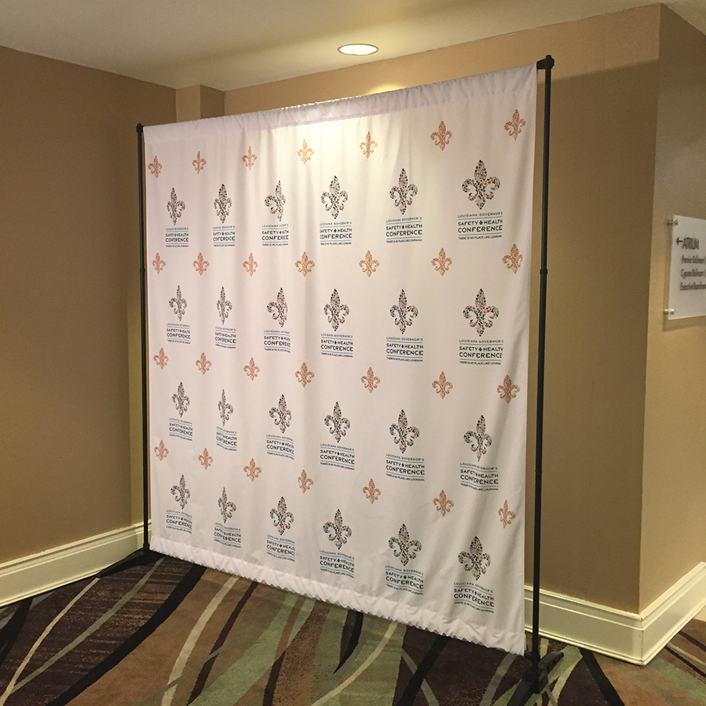 EXHIBITOR RESOURCES - Step and repeat