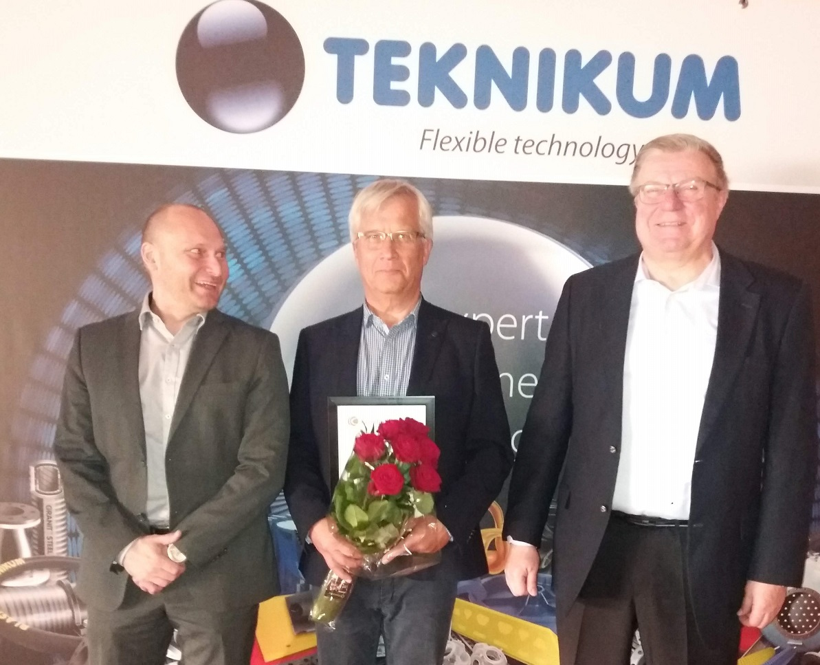 Juha Myllärinen wins honorary rubber industry award