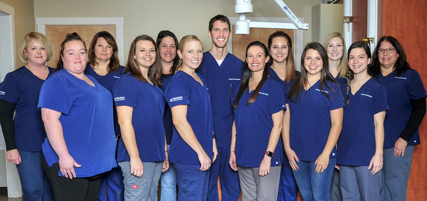 All about Paws & Ashby Animal Clinic Licensed Vet Techs, Office Assistants and Assistant Vet Tech group photo.