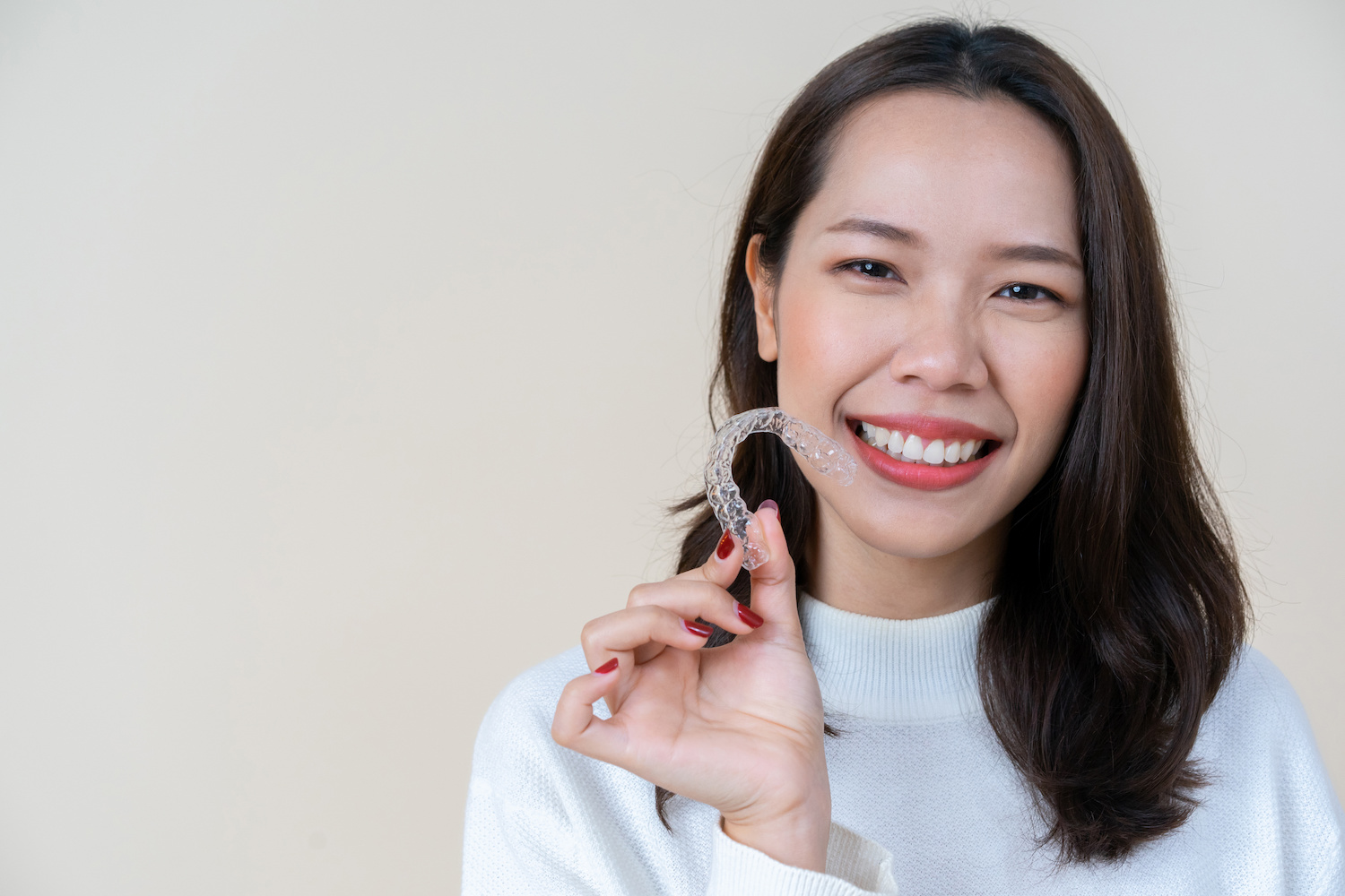 Comparing Invisalign vs Braces: Cost, Results and Treatment Time