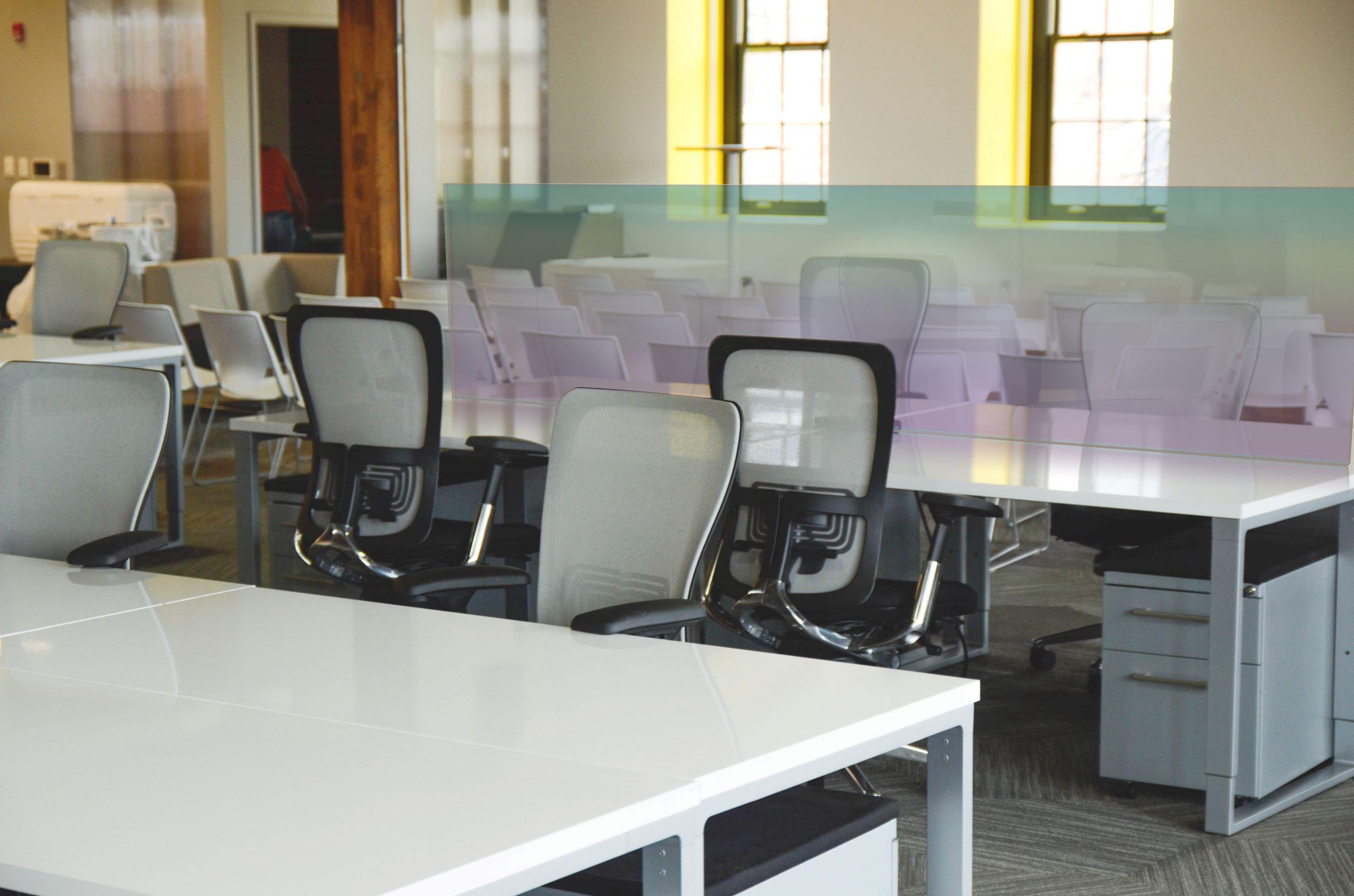 kassaschermen plexiglas schermen coronavirus spatscherm bureauscherm