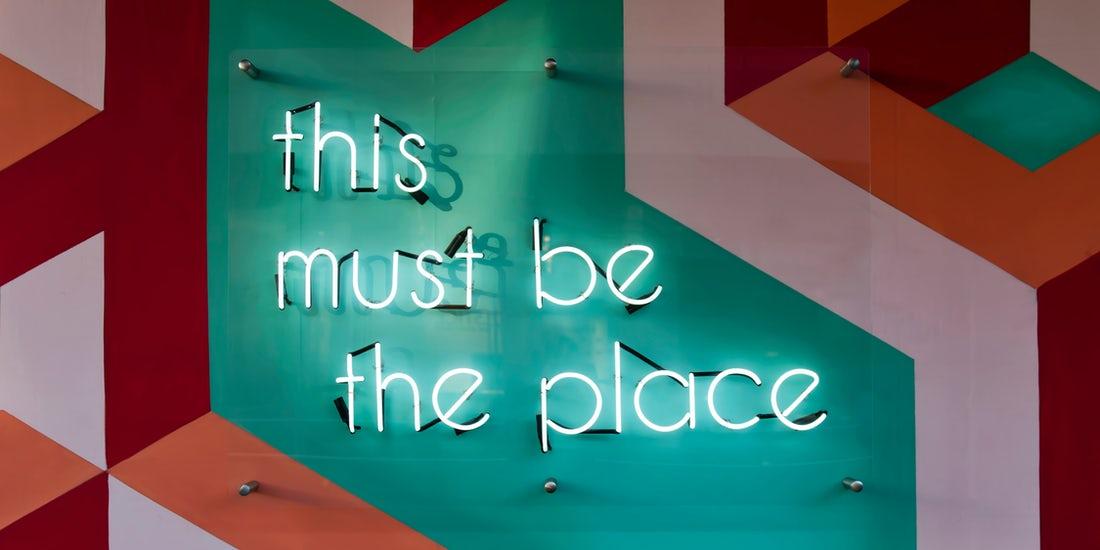 statement wall verlicht abtracte vormen