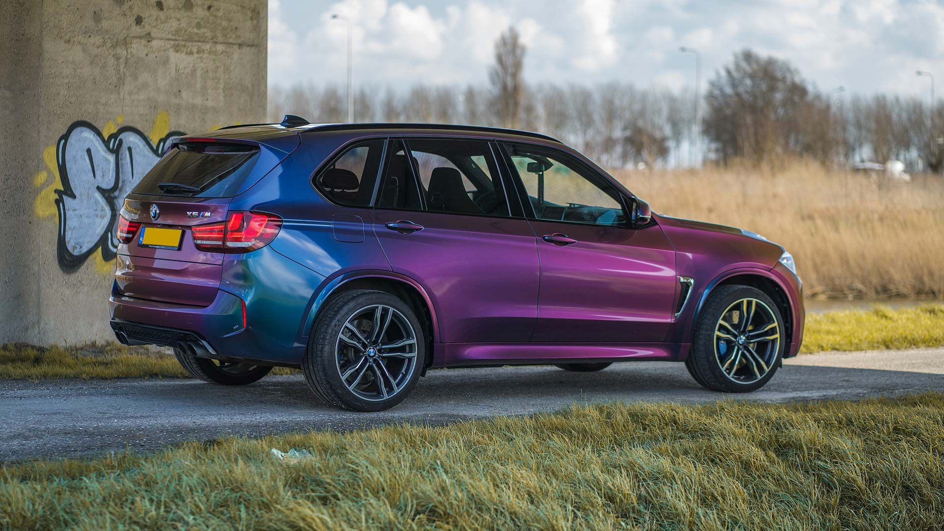 Carwrap BMW X5 met ColorFlow folie