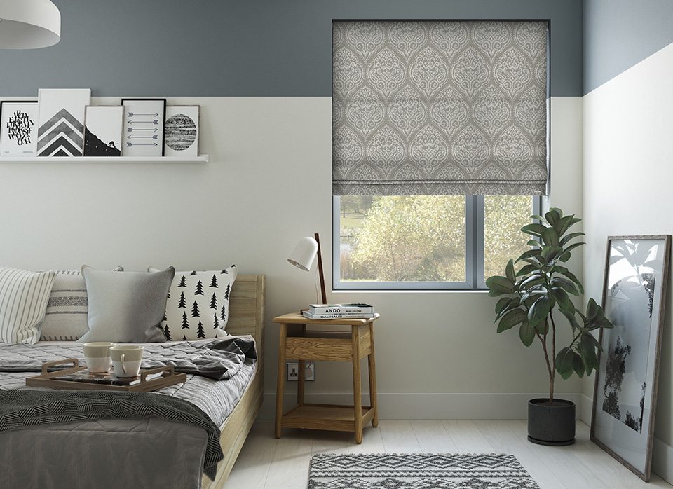 image of blind insitu in bedroom