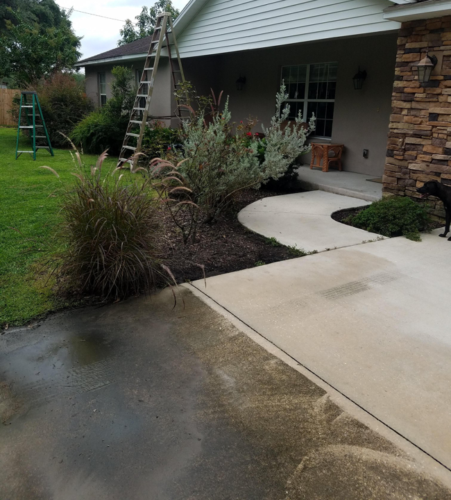 a driveway cleaning before and after