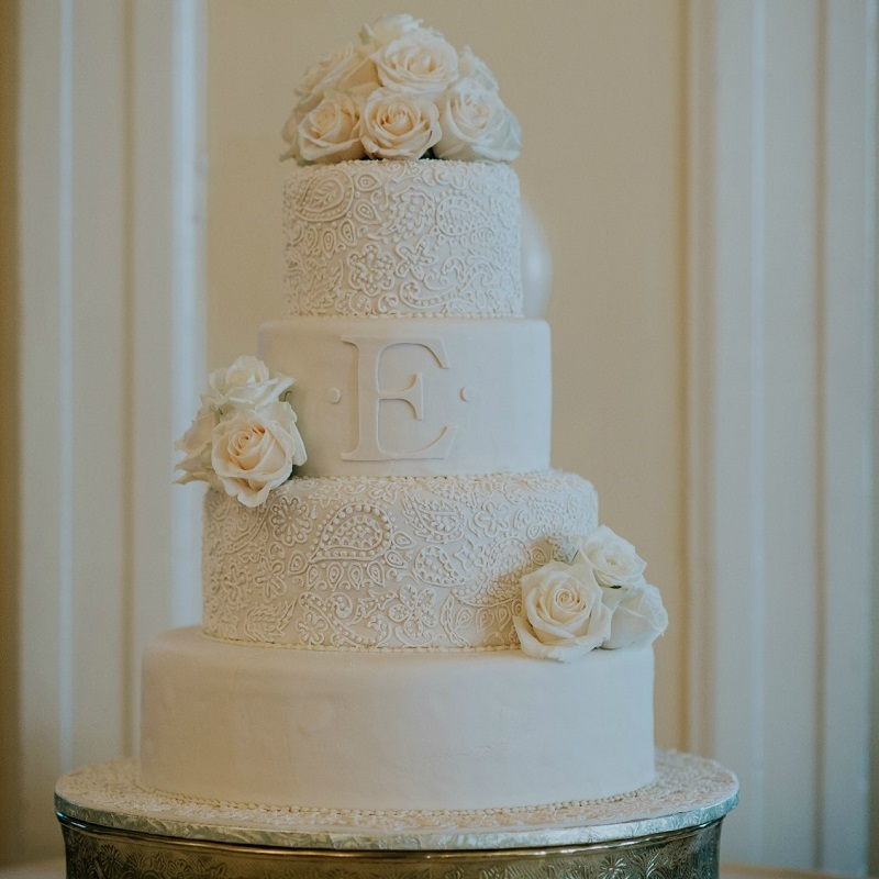 The couples wedding cake.
