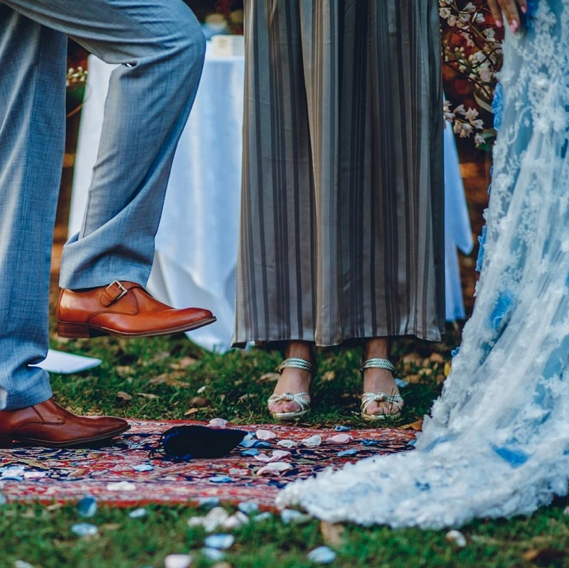 The couple during their jewish ceremony.