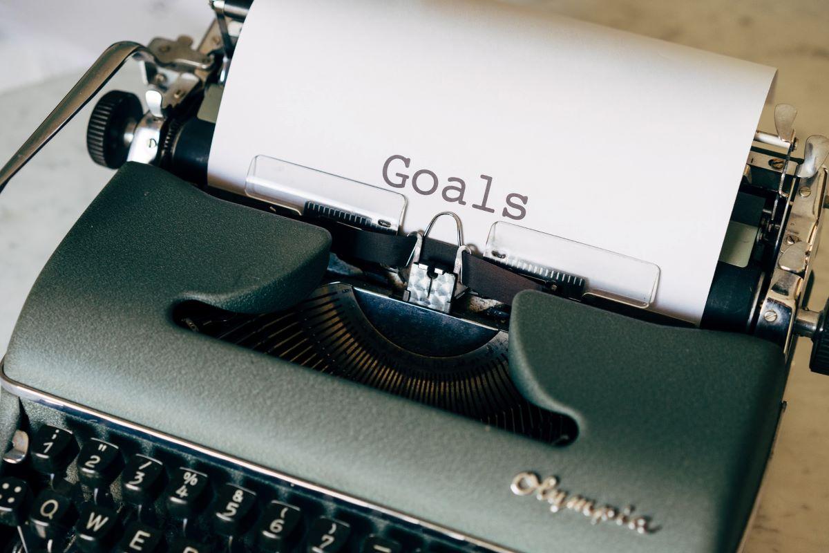 Typewriter with the Headline Goals