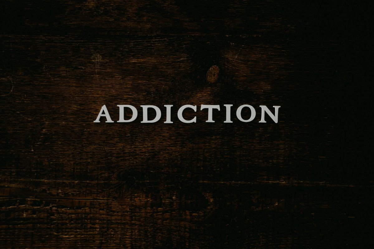 Dark Wood With Addiction in the Center