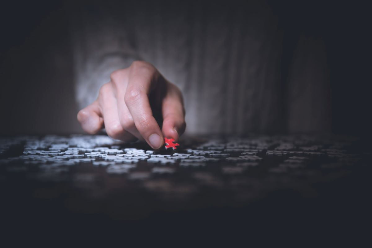 Completing a Puzzle in the Dark