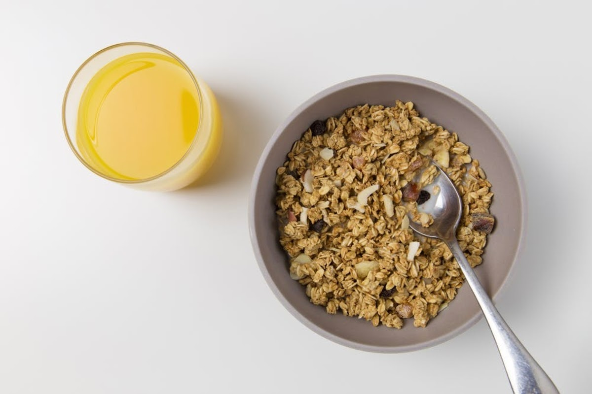 cereal, a healthy fiber-rich meal which may help reduce symptoms of depression