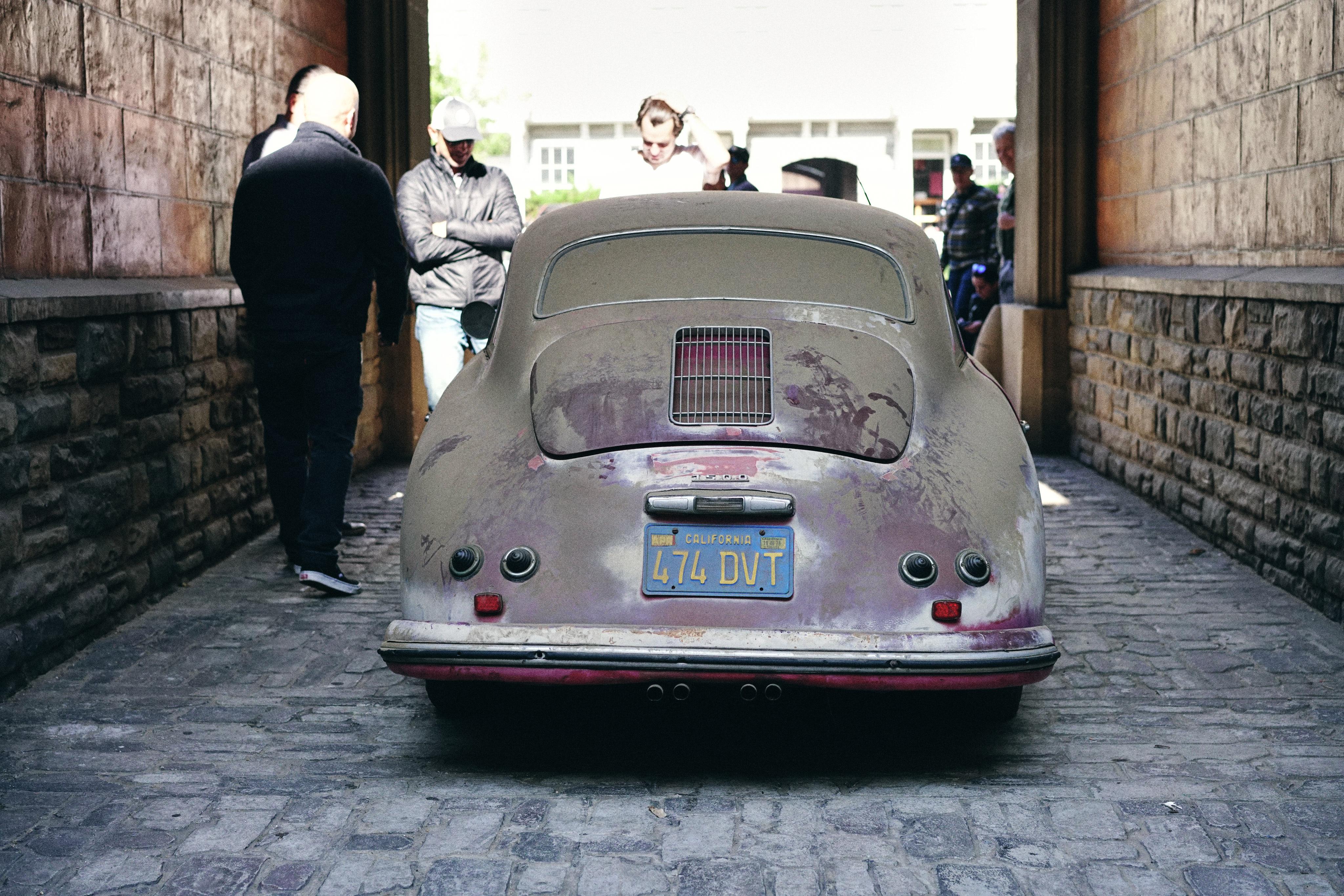 Luftgekühlt-6-Rennen-03-Porsche-356-1955-Barnfind