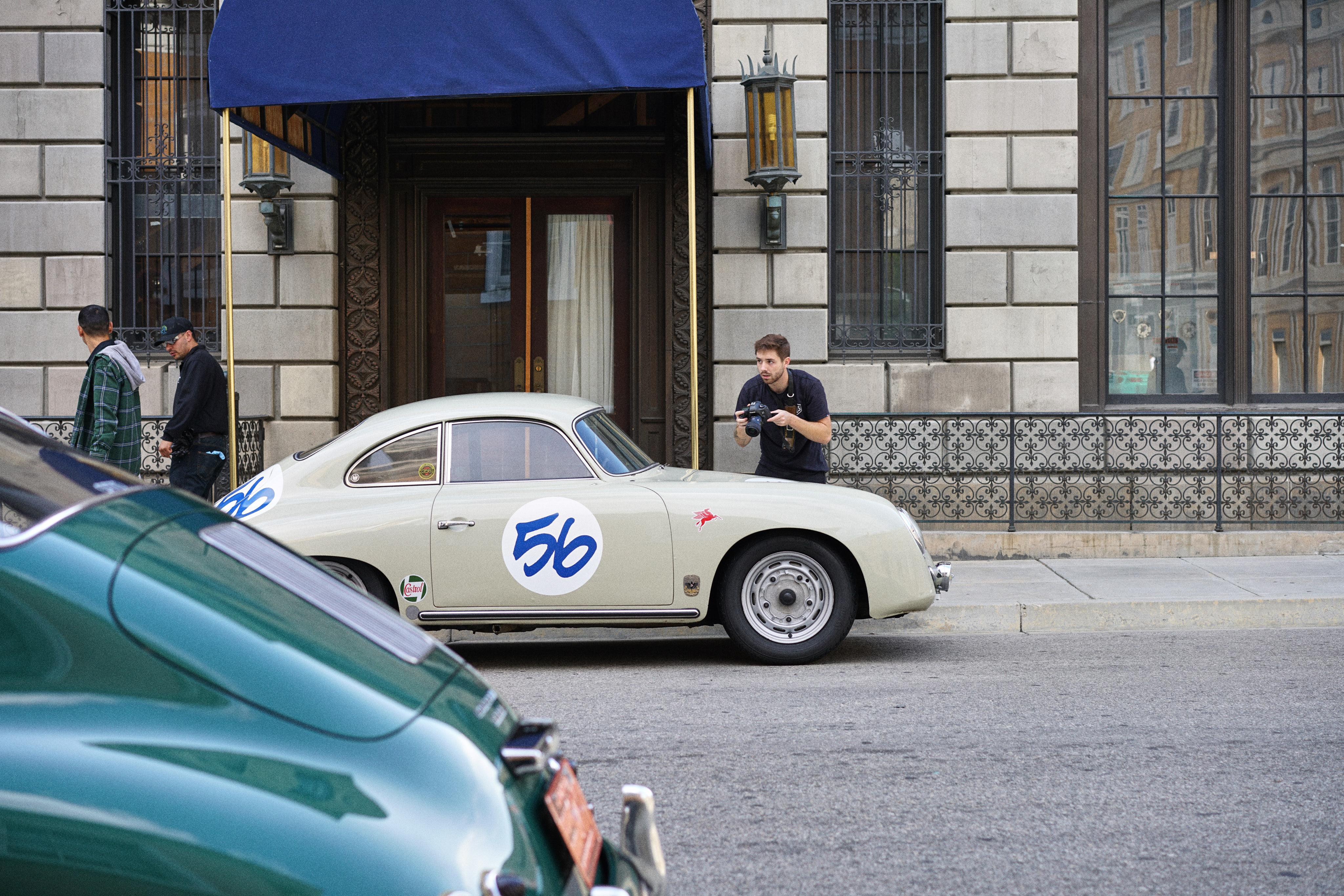 Luftgekühlt-6-Rennen-05-Porsche-356-Stone-Grey