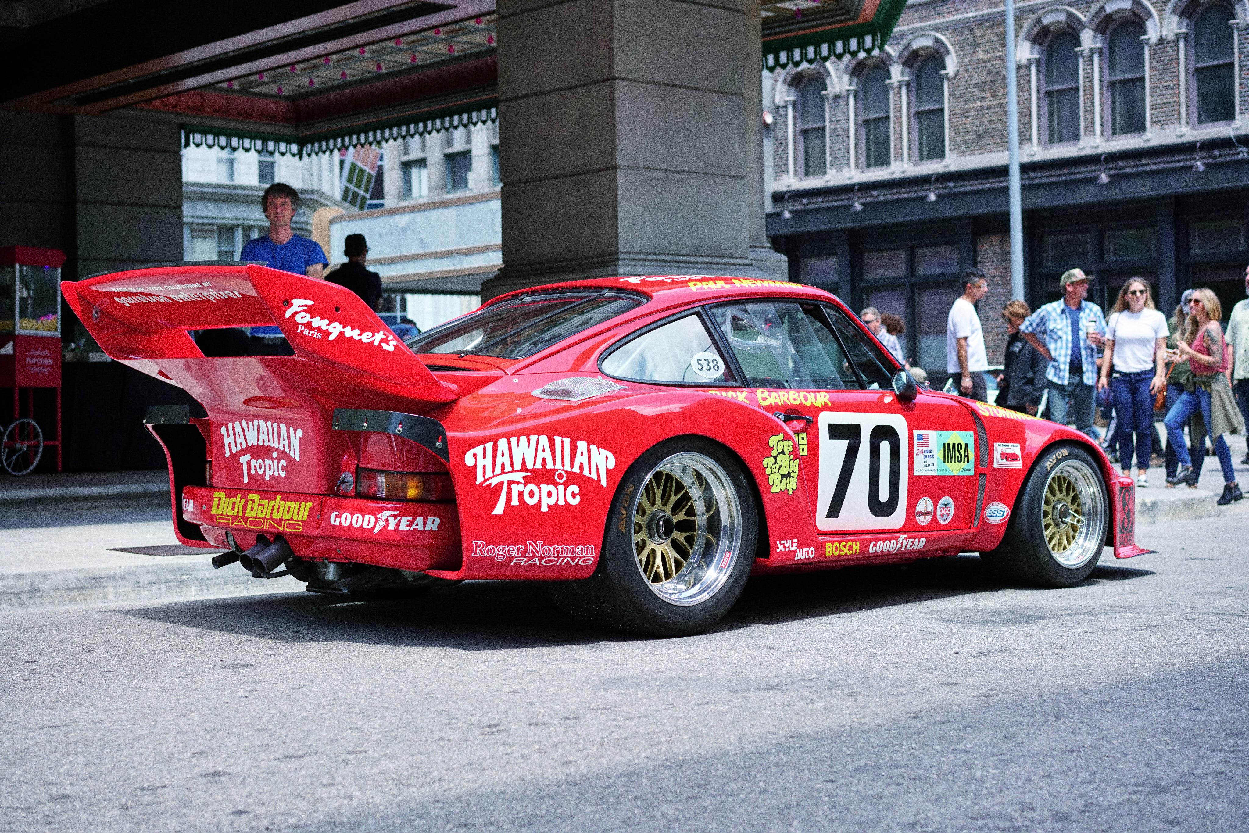 Luftgekühlt-6-Rennen-20-Porsche-935-Paul Newman-Hawaiian-Tropic