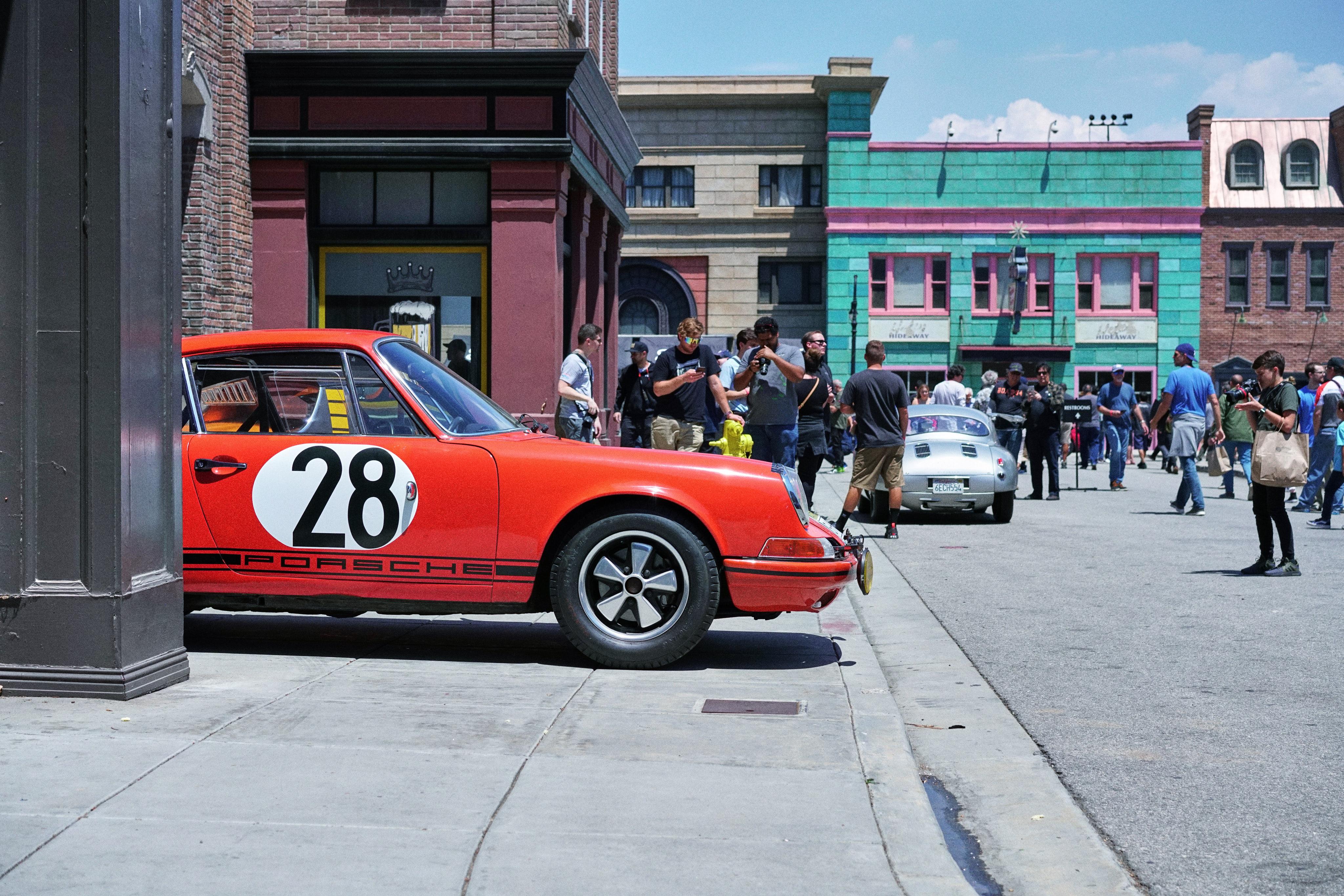 Luftgekühlt-6-Rennen-21-Porsche-911-28-Tangerine-Profile