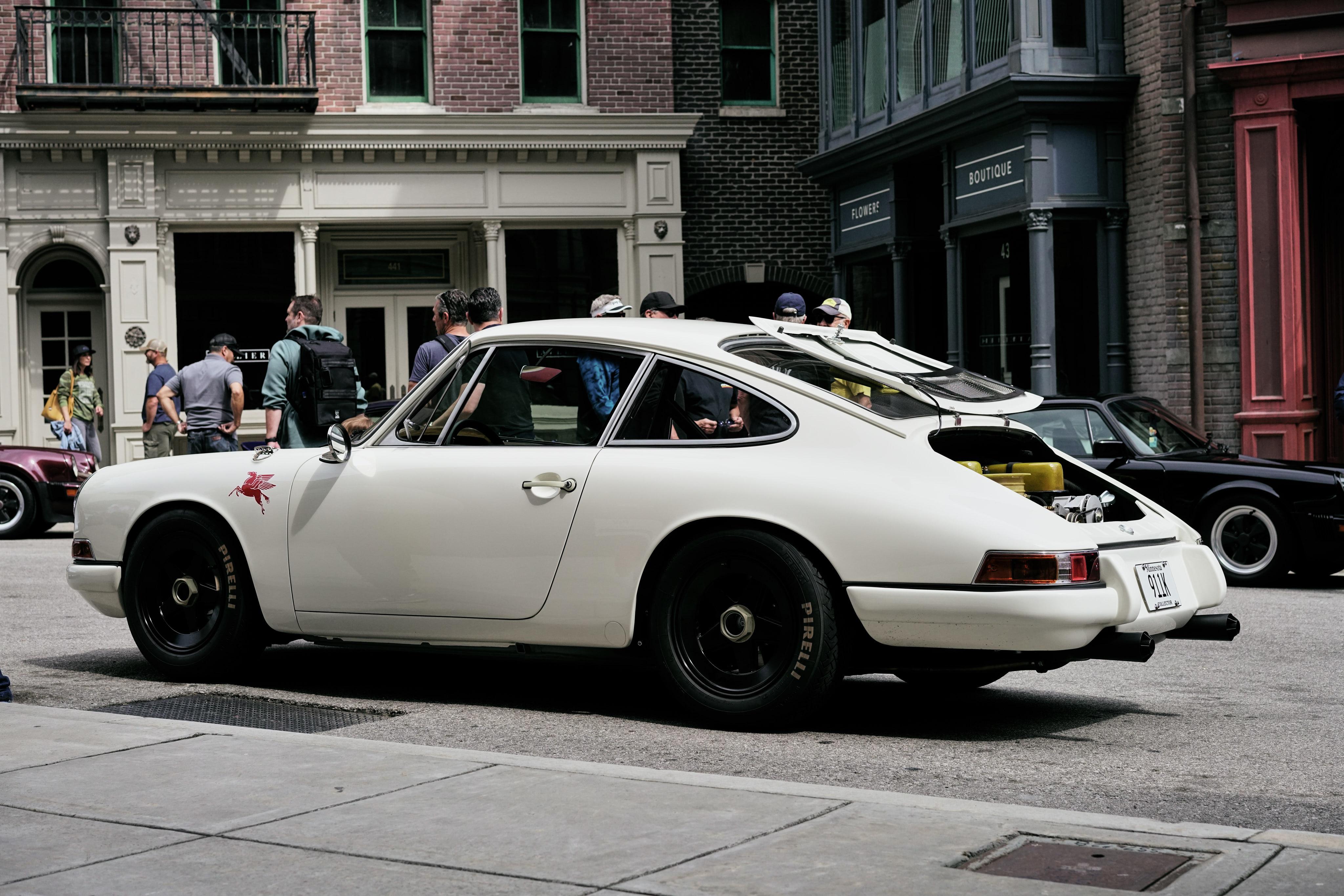 Luftgekühlt-6-Rennen-36-Porsche-911K-1968-Rod-Emory-Outlaw