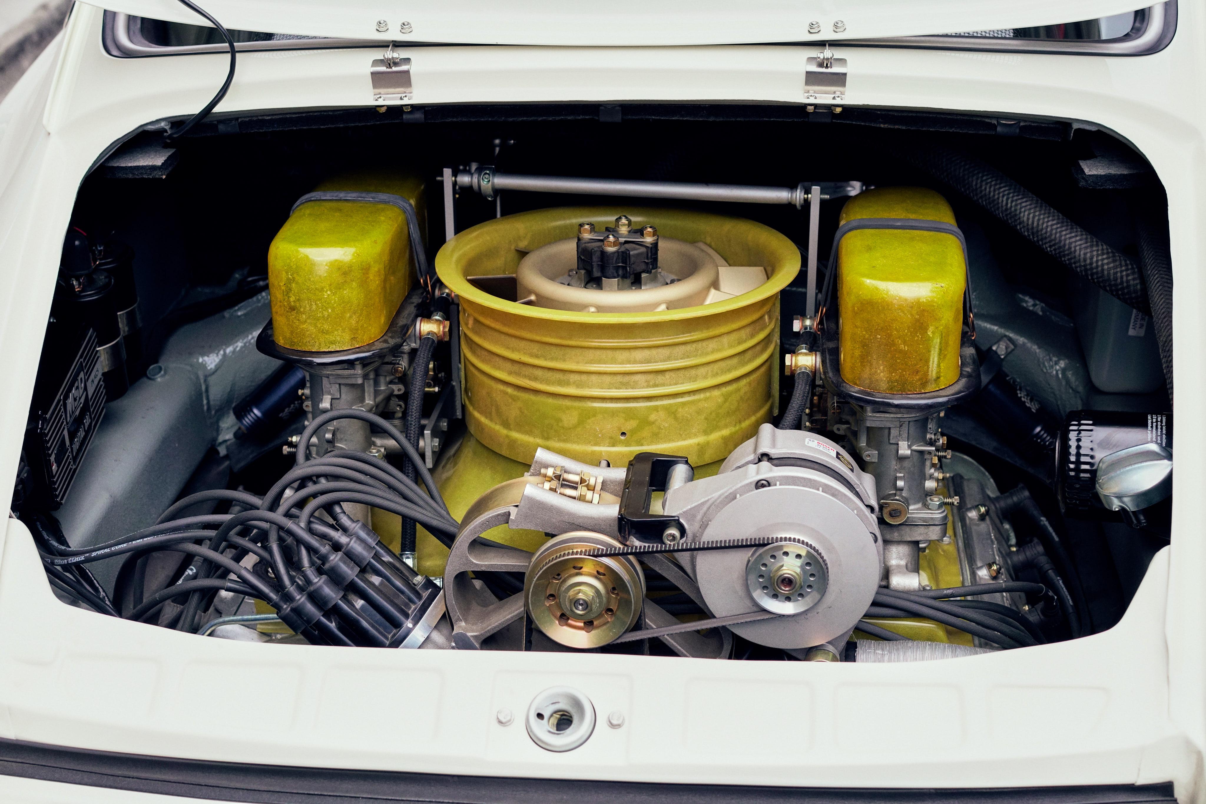 Luftgekühlt-6-Rennen-40-Porsche-911K-1968-Rod-Emory-Outlaw-Engine