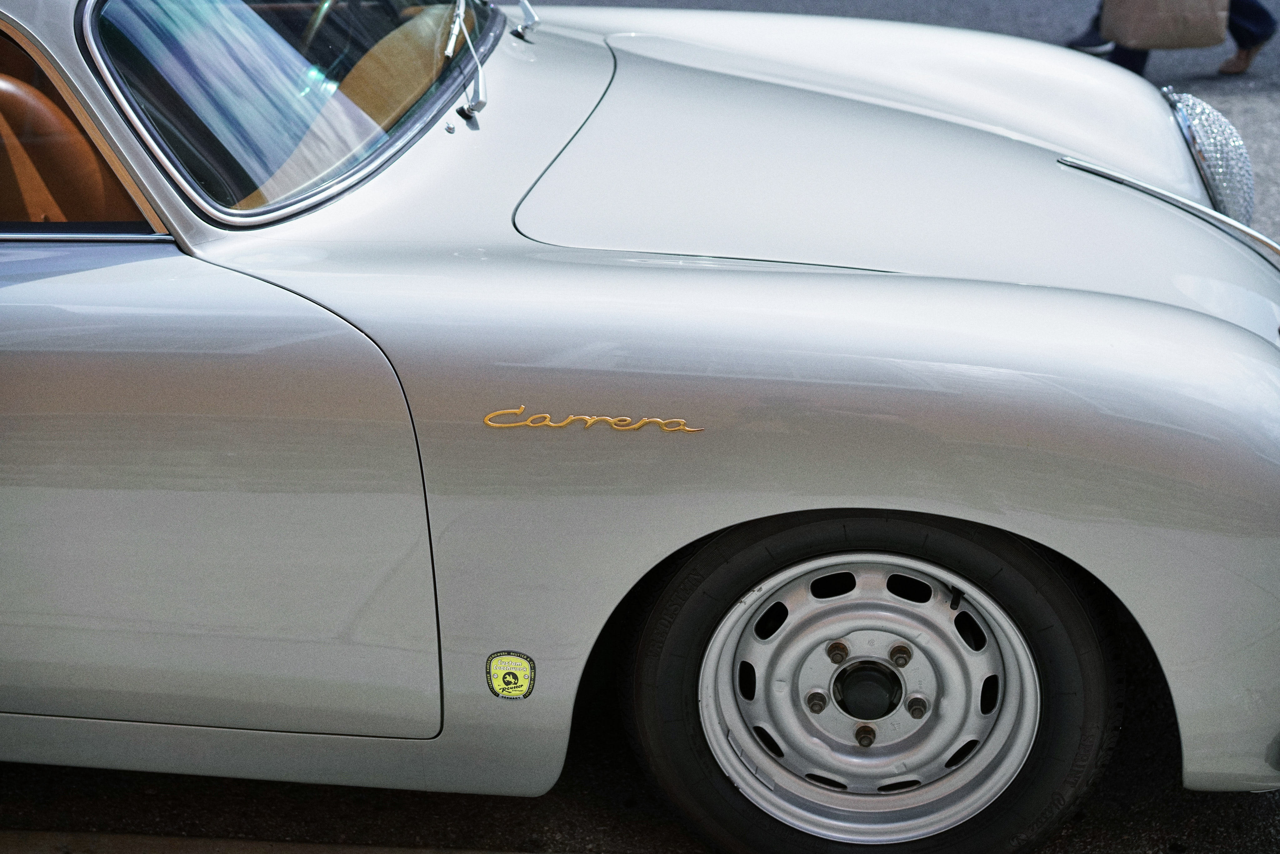 Luftgekühlt-6-Rennen-56-Porsche-356-1956-Carrera-Wing-Detail
