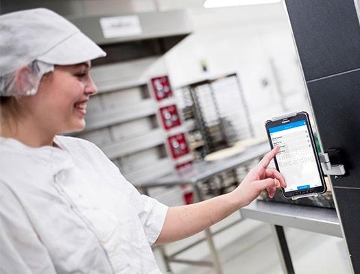 Kontrolle Arbeitszeiten für Bäckerei mit TimeAssist