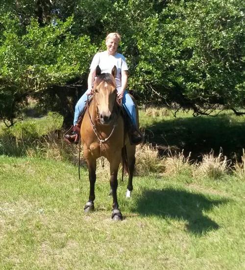 Jill riding horse 'Keah'