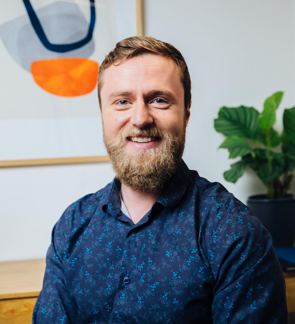 Dr David Bakker