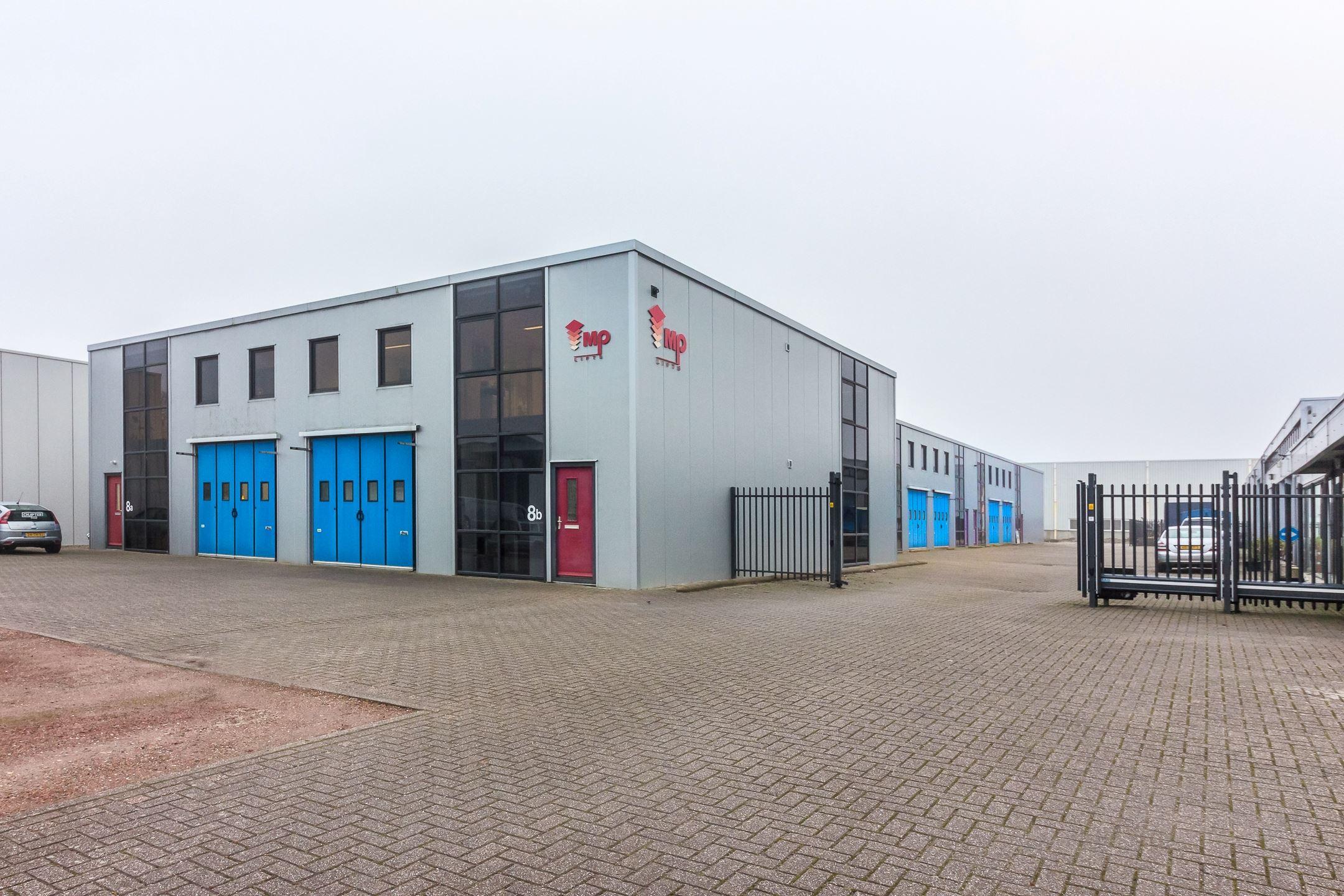 De Stek 8A Bedrijfsunit met kantoor en werkplaats. 300m2 VERHUURD