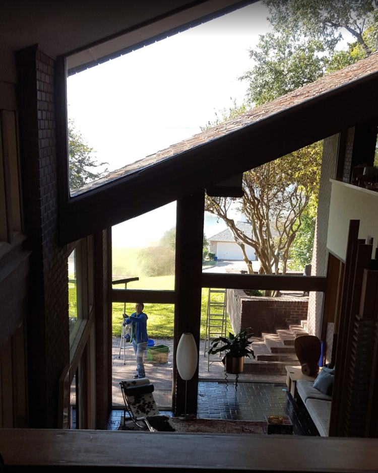 window cleaning and house cleaning a home in forney tx