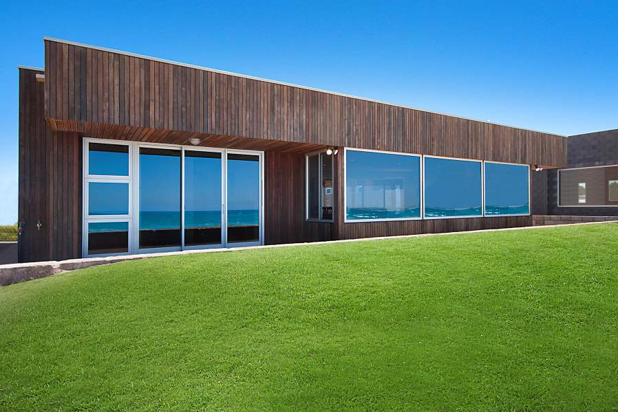 Aluminium Vantage awning and casement windows