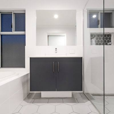 Telethon home Geraldton bathroom