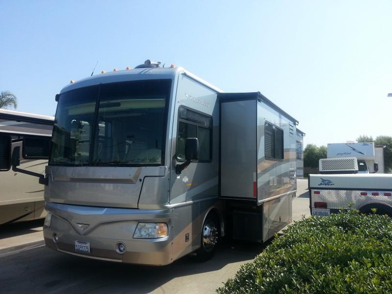 34' Bounder - Diesel - 3 Slides | RV's | West Coast RV