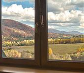 Widok z okna jadalni na góry