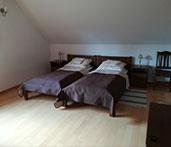 Sypialnia z łużkami
