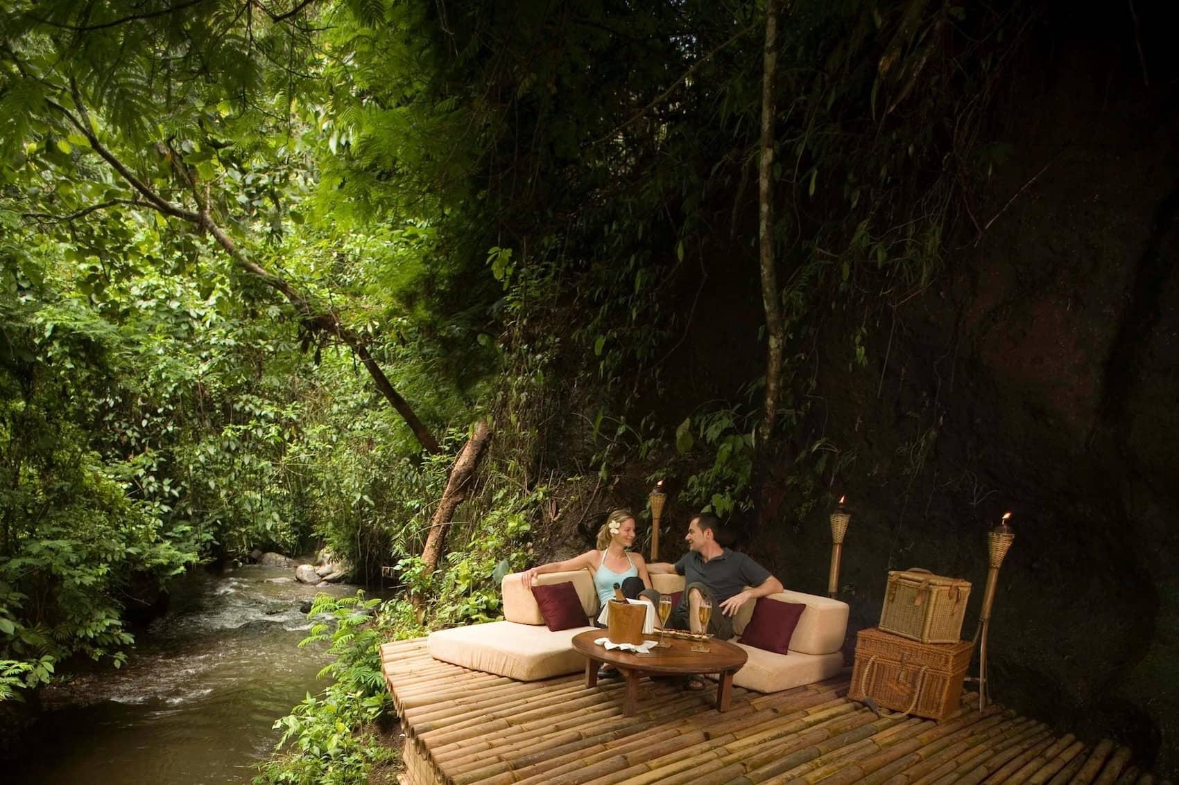 Aperitivo su fiume balii - Esperienze uniche viaggio di nozze