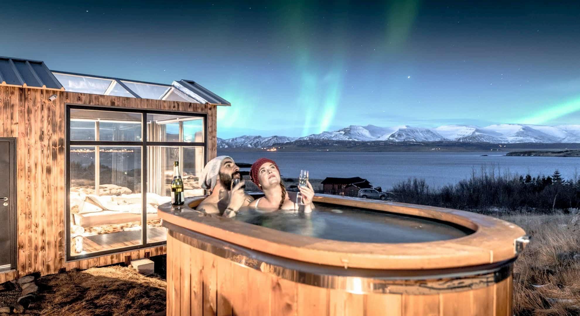Panorama-glass-lodge-viaggio-di-nozze-islanda-1