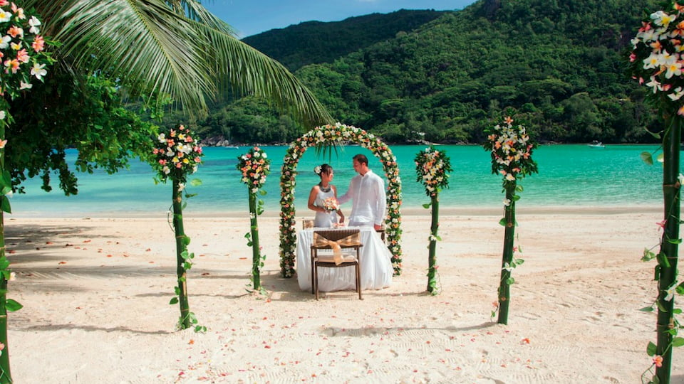 Sposarsi alle Seychelles Constance Ephelia resort