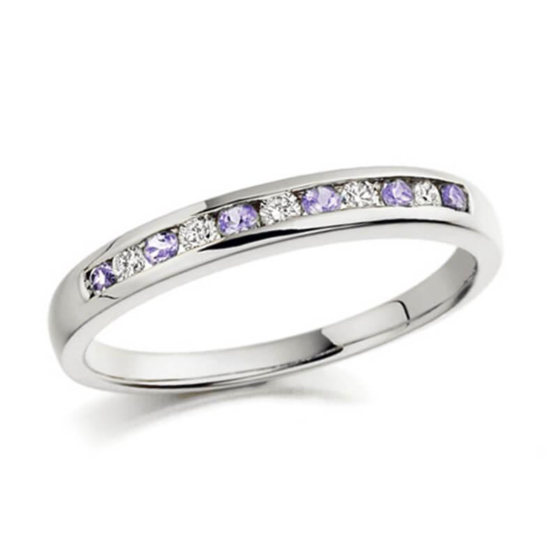 Tanzanite and diamond ring in white gold