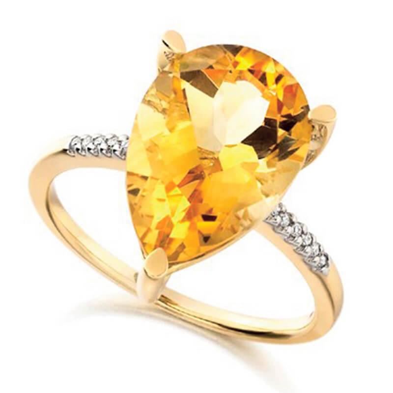 Citrind and diamond ring in yellow gold