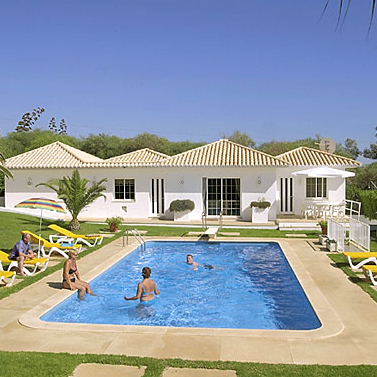 albufeira villas with swimming pool